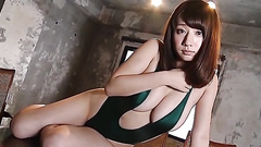Curvy Japanese girl dazzles in a swimsuit